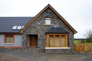 Donegal Slate With Grey Dash And Red Brick