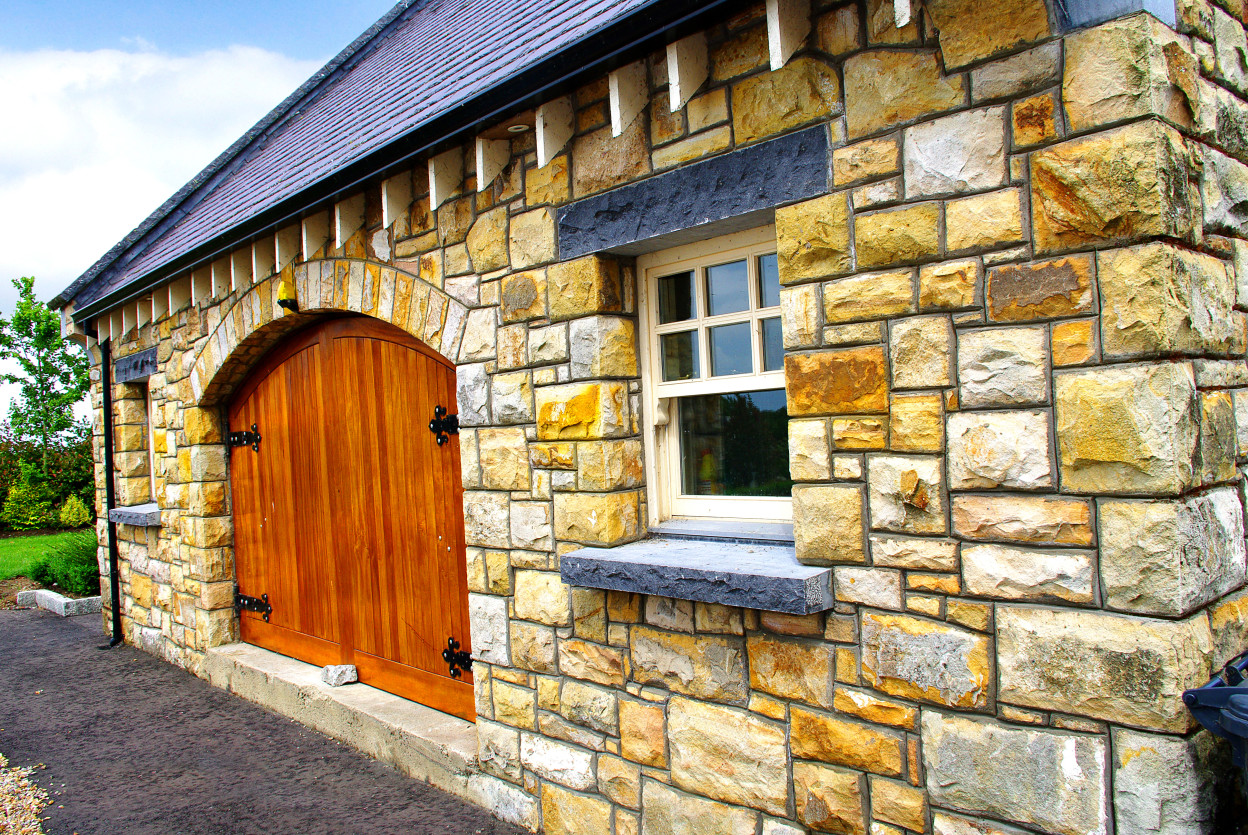 Reclaimed Leitrim Sandstone, 3500mm Freestanding Garage Door Arch, Rock faced Limestone cills and rock faced limestone lintels