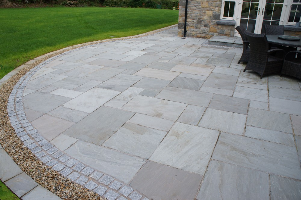 Blue Centre Sandstone Mixed With Omagh Blue Stone