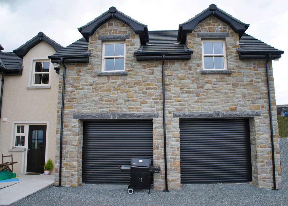 50% Tipperary Brown & 50% Tipperary Blue. 3 piece lintel bolted to angle iron to support wide garage openings