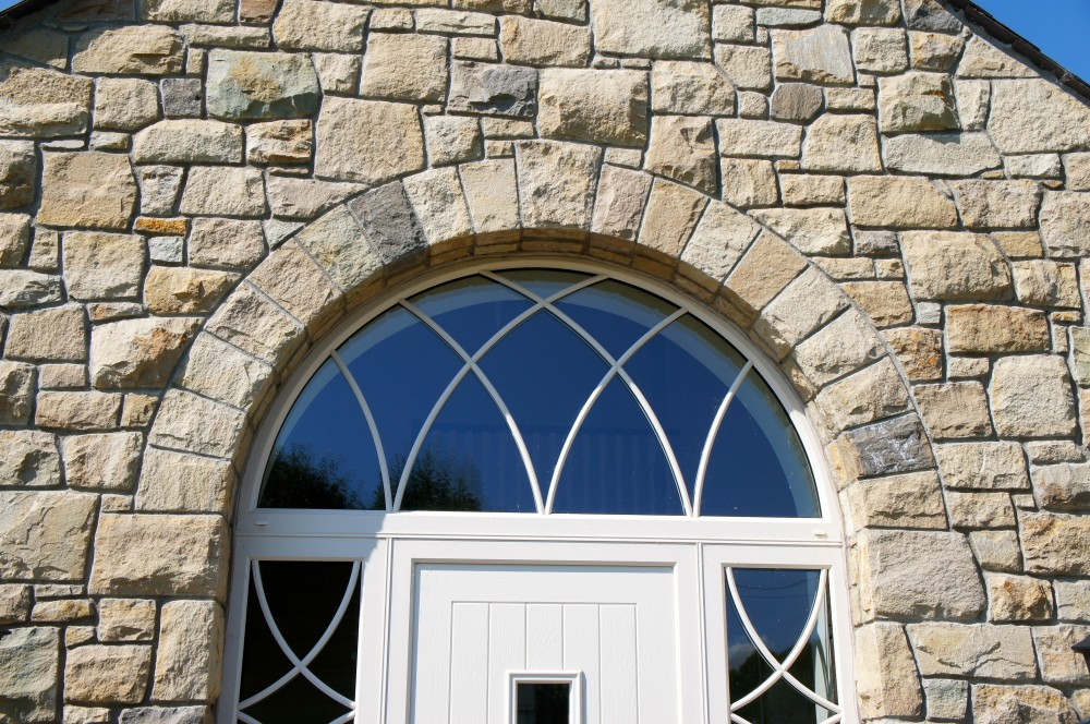 Freestanding arch on front door