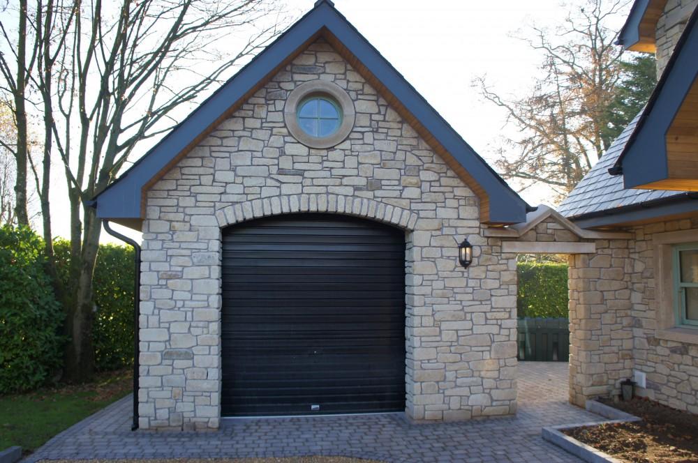 Freestanding garage door arch