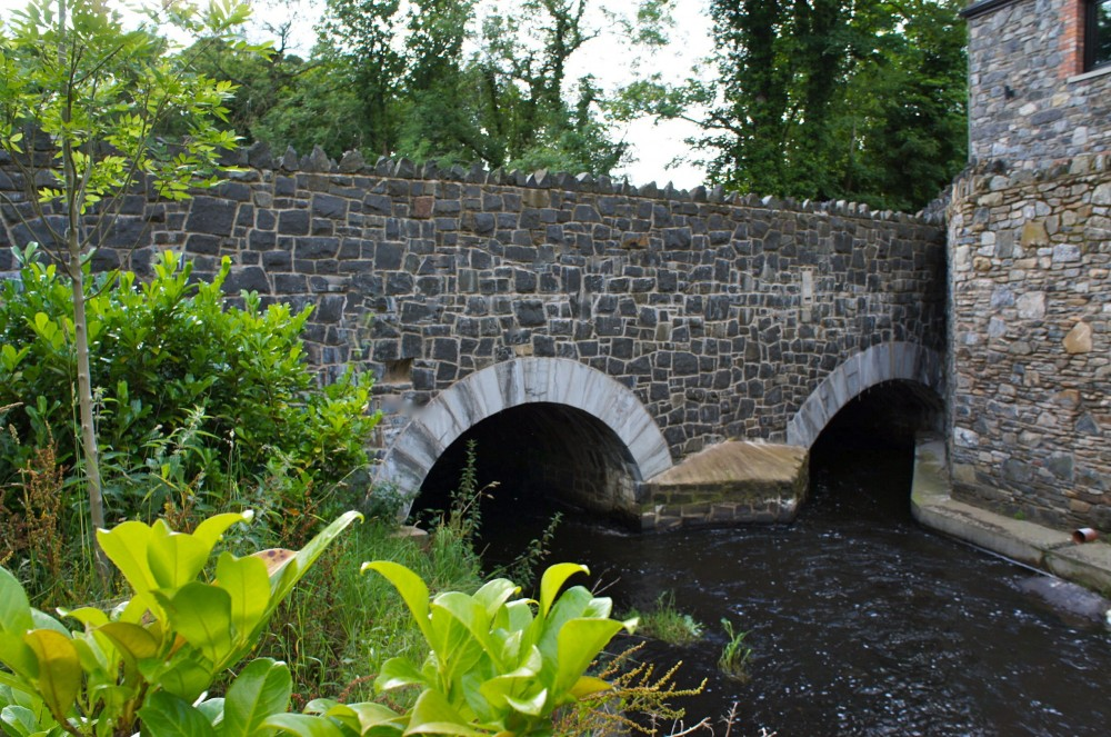 Basalt bridge and limestone arches