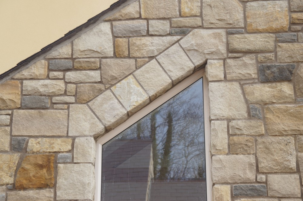 Free standing flat arch built on apex window