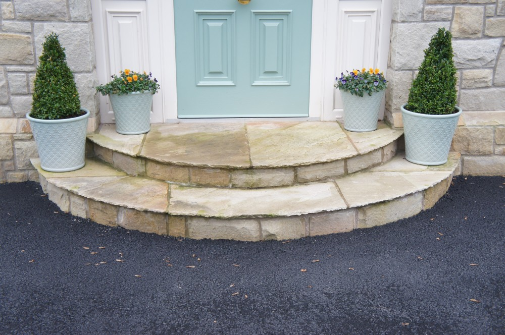 Curved tinted mint steps