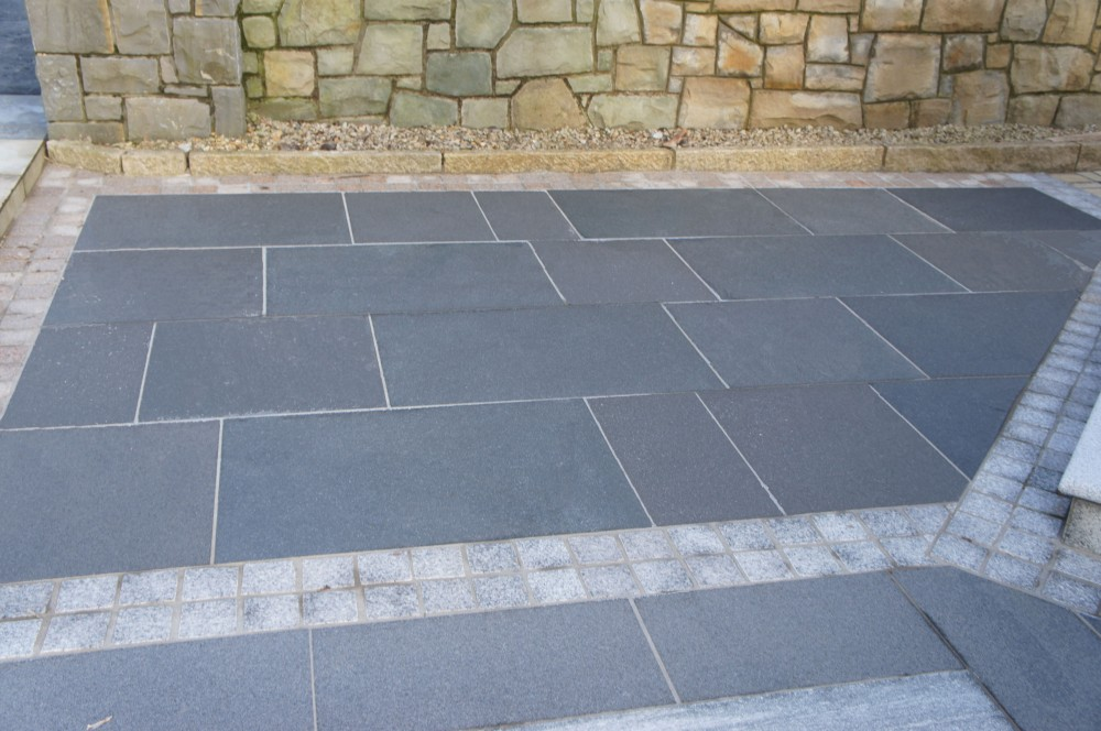 Black Granite Paving Dry