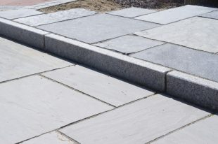 Silver Granite Kerb Flamed 150x60
