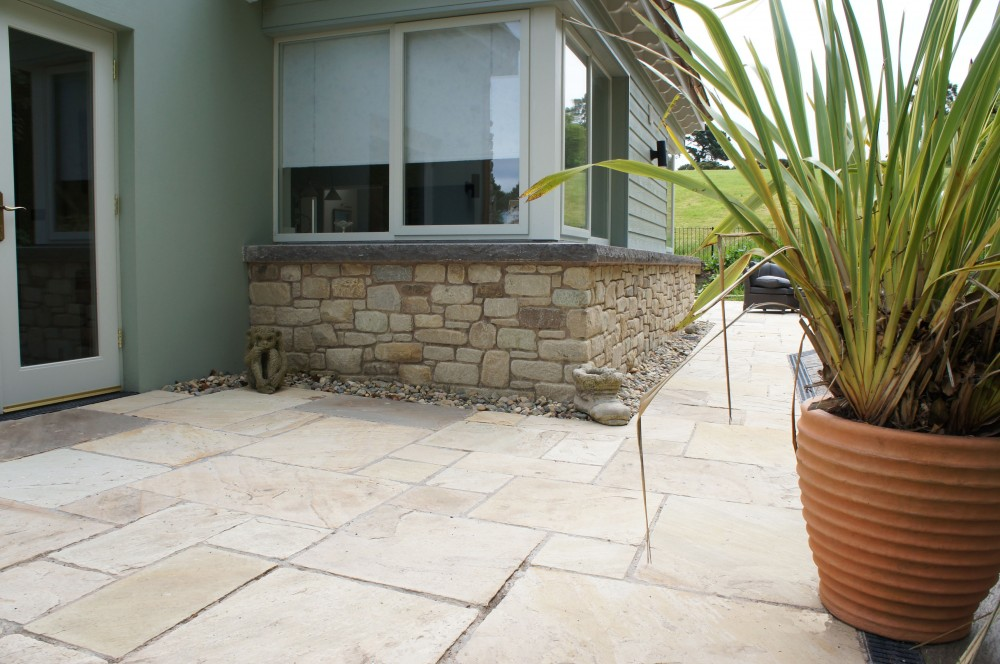 Tumbled Tinted Mint Paving