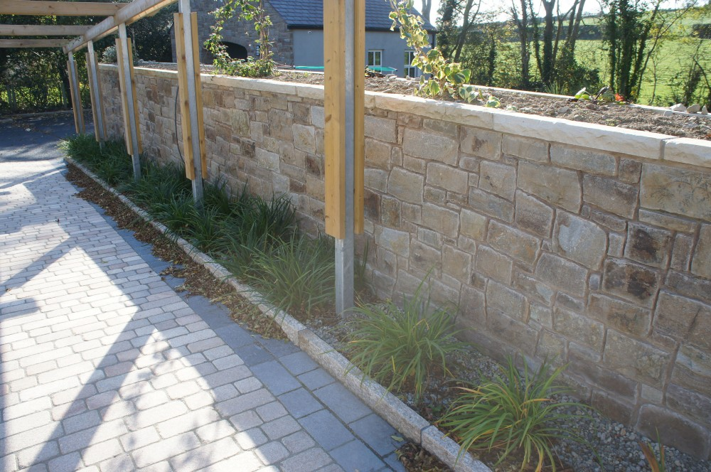Tipperary Sandstone with Tinted mint coping