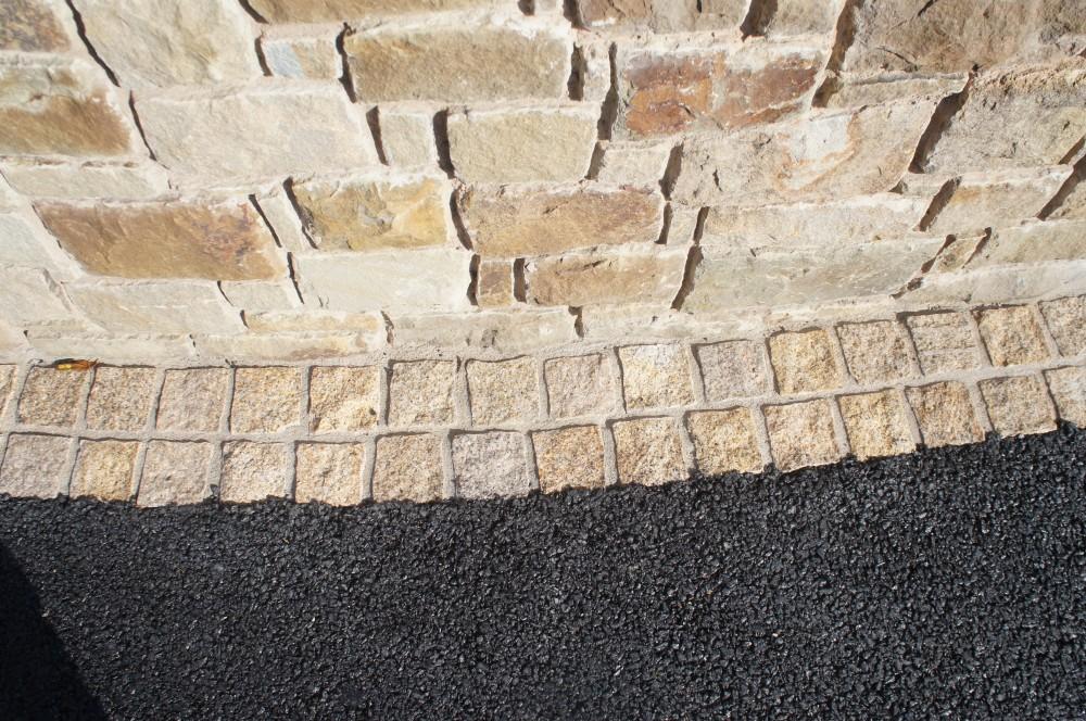 Gold granite cobbles with split finish